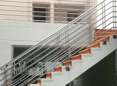 carpinteria-metalica-pasamanos-para-escalera