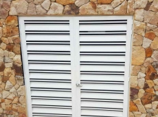 puertas-en-lamina-tipo-persiana-acabado-blanco-pintura-electroestatica