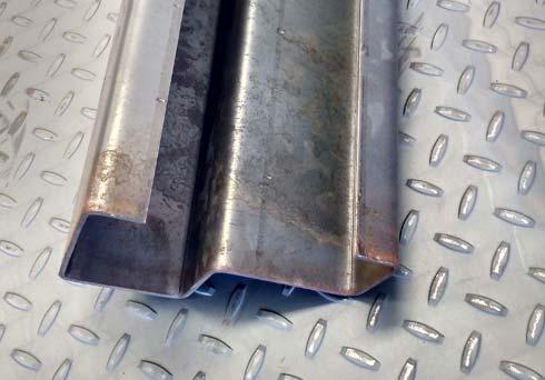 dobladora-lamina-marco-puerta-blindada-lateral