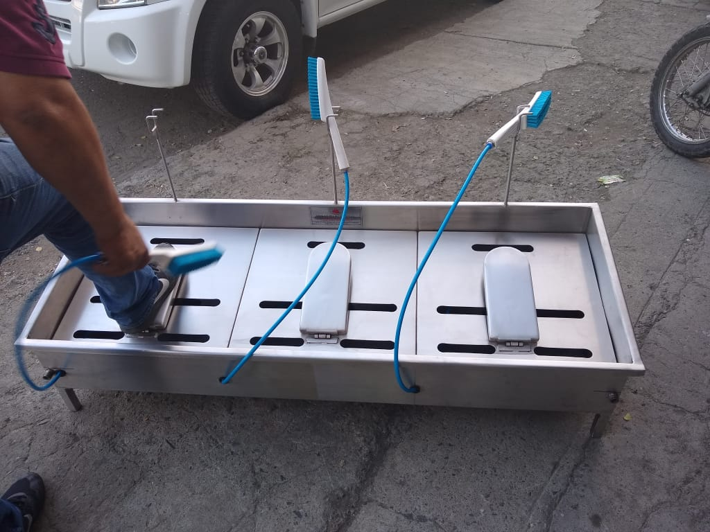 lava-botas-seguridad-industrial-indumentaria-para-emergencia-sanitaria-covid-19