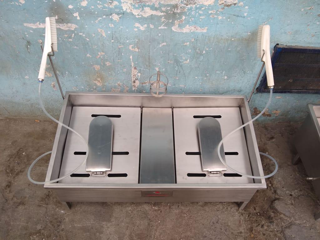 lava-botas-soporte-industrial-indumentaria-para-emergencia-sanitaria-covid-19